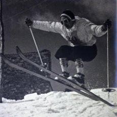 Fotografía antigua: SKARE Y PARAFINA. FOTOGRAFÍAS DE ESQUIADORES. ESPAÑA. CIRCA 1940. Lote 107210967