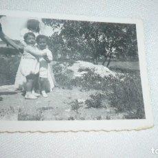 Fotografía antigua: FOTO AÑOS 30/40 NIÑOS POSANDO. Lote 107308659
