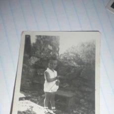 Fotografía antigua: FOTO AÑOS 40 NIÑO/NIÑA POSANDO. Lote 107370291