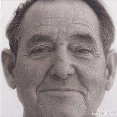 Fotografía antigua: JORDI PUIG - RETRATS 799 - AUTÓGRAFO DEL AUTOR - MUSEU DE L'EMPORDÀ 2005 - LLADÓ. Lote 108411259
