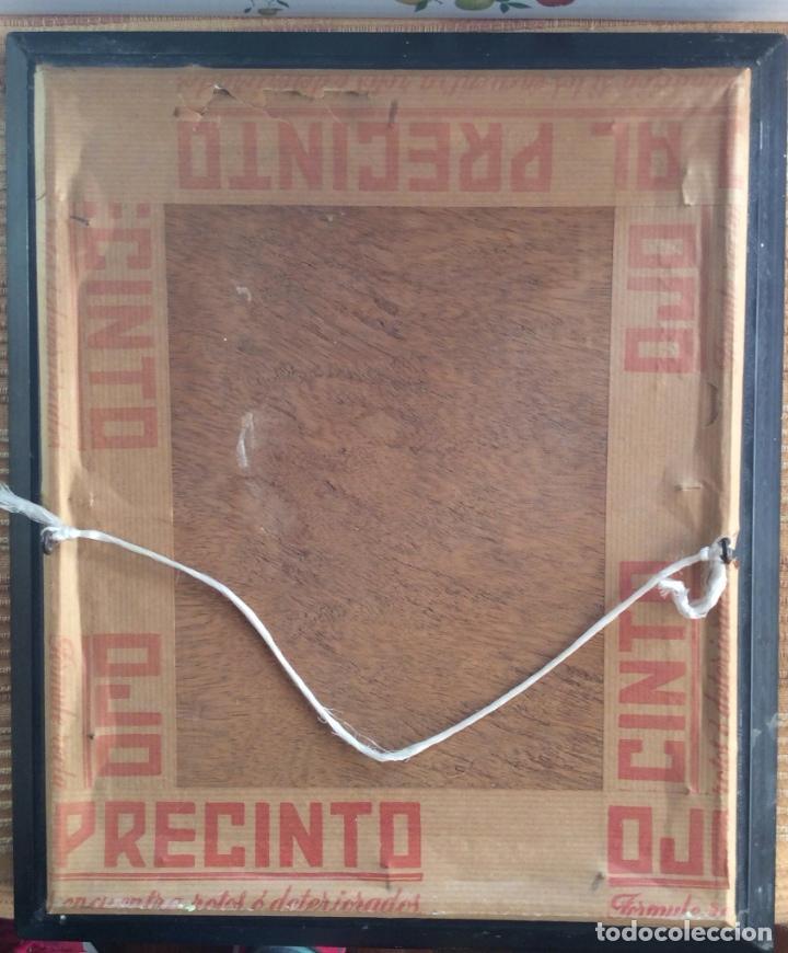 Fotografía antigua: PRECIOSA FOTOGRAFIA A COLOR AÑOS 50 MARCO DE ÉPOCA -NIÑA CON PELUCHE - - Foto 3 - 108743547