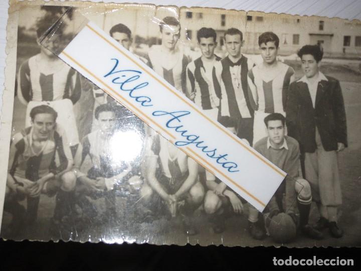 Fotografía antigua: FOTO ANTIGUA EQUIPÒ FUNDADOR FUTBOL PELAYO DE GIJON 1947 CAMPO TEATINOS OVIEDO - Foto 2 - 109008135