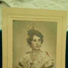 Fotografía antigua: FOTOGRAFÍA DE FALLERA . FOTO COLOREADA.1964. FOTO 17,5 X 12 CM.. Lote 109270315