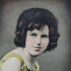 Fotografía antigua: RETRATO DE ESTUDIO, FOTO COLOREADA 1960. Lote 110588679