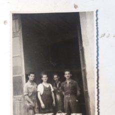 Fotografía antigua: FABRICA DE HORNILLOS DE PETRÓLEO. ALCOY. Lote 111517722