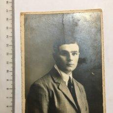 Photographie ancienne: RETRATO DE JOVEN. FOT. F. GARAY. LOGROÑO. H. 1920?. Lote 112161100