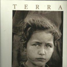 Fotografía antigua: SEBASTIAN SALGADO ,TERRA, ALFAGUARA, SUIZA 1997, 145 PÁGINAS.ALFAGUARA.. Lote 113294095