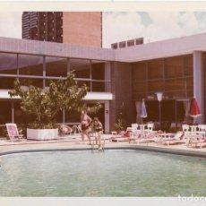 Fotografia antiga: == MM289 - FOTOGRAFIA - BRASILIA - PISCINA DE UN HOTEL - 1969. Lote 113545443