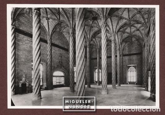 ANTIGUA FOTOGRAFÍA INTERIOR DE LA LONJA, VALENCIA. COPIA VINTAGE 12 X 17,5 CM. CA 1960 (Fotografía - Artística)