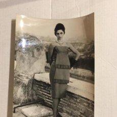 Fotografía antigua: FOTO ORIGINAL AGENCIA KEYSTONE. MODA ITALIANA. AÑO 1960.. Lote 114686015