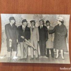 Fotografía antigua: FOTO ORIGINAL AGENCIA KEYSTONE. LA MODA MASCULINA DE 1960.. Lote 116228119