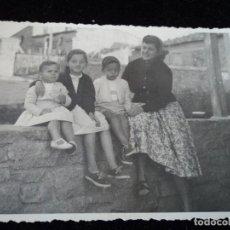 Fotografía antigua: ANTIGUA FOTOGRAFIA EN TARADELL 1957 8 X 11 CM. Lote 116753259