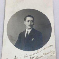 Fotografía antigua: ANTIGUA FOTO FOTO POSTAL 1917 HOMBRE JOVEN TRAJE CORBATA BIGOTE DEDICADA Y FIRMADA. Lote 119092507