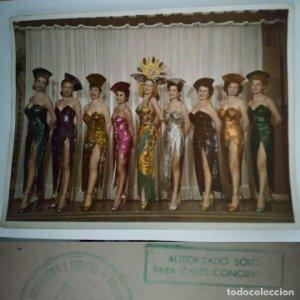1954 Foto 9 chicas Sello Ministerio de información y turismo - Autorizado sólo para cafés concierto