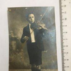 Fotografía antigua: FOTO. JOVEN VIOLINISTA. FOTOG. ANÓNIMO. AÑO 1918. Lote 120904198