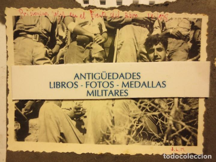 Fotografía antigua: BATALLA DEL EBRO FOTO ORIGINAL INEDITA SOLDADOS PRISIONEROS IX - 1938 GUERRA CIVIL - Foto 2 - 121280775