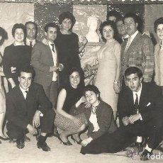 Fotografía antigua: *** H511 - FOTOGRAFIA - GRUPO DE AMIGOS - FALLAS 1960. Lote 122239319