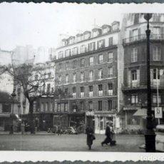 Fotografía antigua: PARÍS, AÑOS 1940S, 16 FOTOGRAFÍAS . Lote 123063903