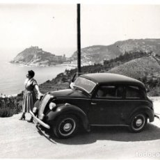 Fotografía antigua: FOTOGRAFIA ORIGINAL AÑOS 30,TOSSA DE MAR Y COCHE CLASICO,COSTA BRAVA,CARRETERA SANT FELIU DE GUIXOLS. Lote 123275527