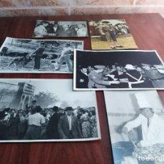 Fotografía antigua: TORO TORERO MANUEL BENITEZ EL CORDOBES LOTE 5 FOTOGRAFIAS ORIGINALES Y UNA POSTAL LEER. Lote 123706975