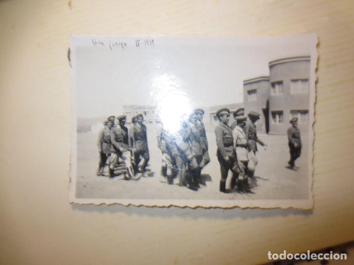 Fotografía antigua: ALTOS MANDOS GENERAL con OFICIALES FOTO INEDITA LEGION GUERRA CIVIL ESPAÑOLA 1939 SIDI IFNI - Foto 2 - 124472467