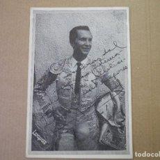 Fotografía antigua: FOTOGRAFIA DEL TORERO LUIS MIGUEL DOMINGUIN CON DEDICATORIA. LENDINEZ. 1961. IMPRESO EN COPIGRAF.. Lote 125228891