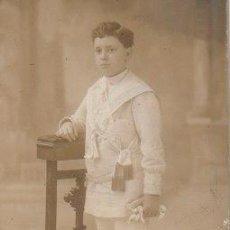 Fotografía antigua: FOTOGRAFIA NIÑO PRIMERA COMUNION 1925 FOTOGRAFO AMER BARCELONA -C-47. Lote 126147343