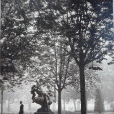 Fotografía antigua: LEMA ABRIL FOTOGRAFÍA Nº 5. FRANCESC CATALÀ ROCA , PREMIOS CIUDAD DE BARCELONA 1950-51.. Lote 126683167