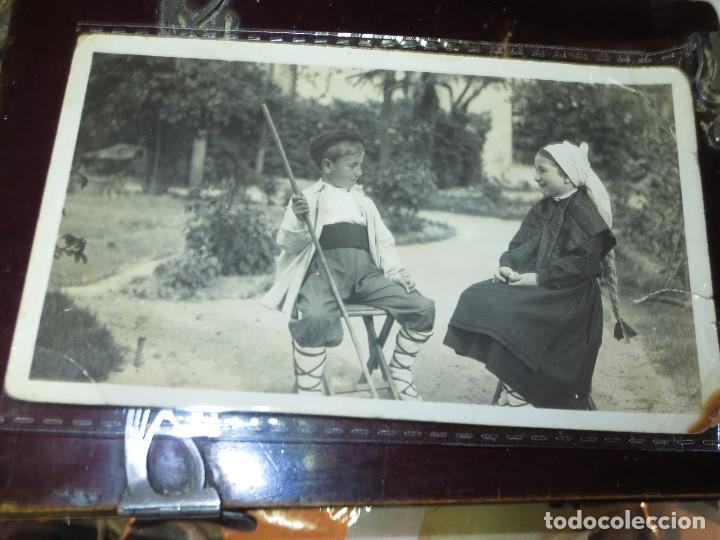 FOTO POSTAL MANUSCRITA NIÑOS DE MIRANDA DEL EBRO TRAJES TIPICOS REGIONALES (Fotografía - Artística)