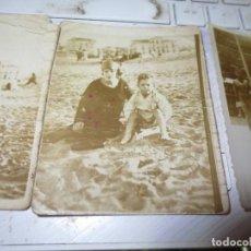 Fotografía antigua: LOTE 3 FOTOS ANTIGUAS PLAYA DE SANTANDER ? BAÑISTAS RELACION CON MIRANDA DEL EBRO. Lote 130020395