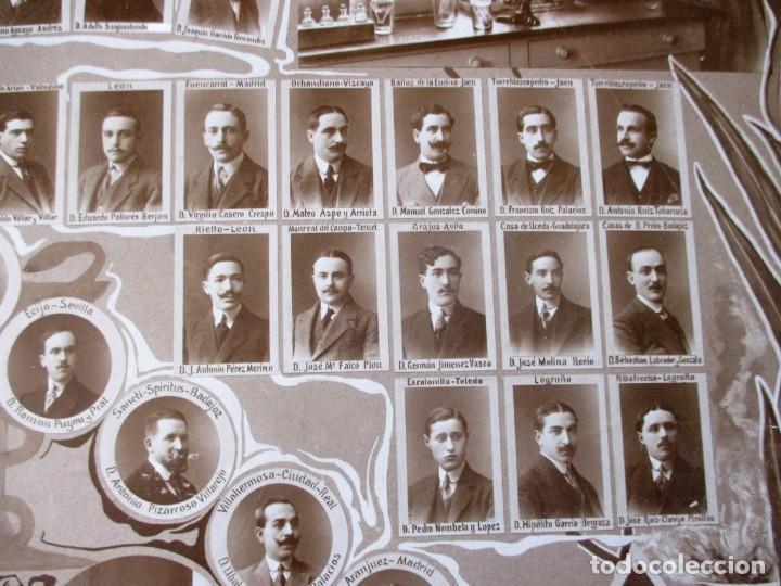 Fotografía antigua: Gran orla de la Facultad de Farmacia de Madrid. Curso 1912-13. Mide 66 x 53 cm.incluyendo paspartú. - Foto 6 - 130612994
