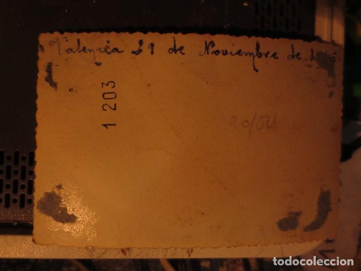 Fotografía antigua: VALENCIA FUTBOL PLANTILLA 1942 EQUIPO SIN DETERMINAR FOTO ANTIGUA - Foto 3 - 131558066