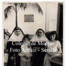 Fotografía antigua: COLEGIO DE MONJAS. NIÑAS. SEVILLA. FOTO ARNAIZ. . Lote 132190878