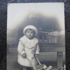 Fotografía antigua: FOTOGRAFIA NIÑA - DARBLADE - TORREVIEJA. Lote 134314358