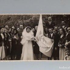 Fotografía antigua: ANTIGUA FOTOGRAFIA BANDERA JUVENTUDES ACCION CATOLICA ESPAÑA PARROQUIA MISERICORDIA ALICANTE AÑOS 50. Lote 134353450