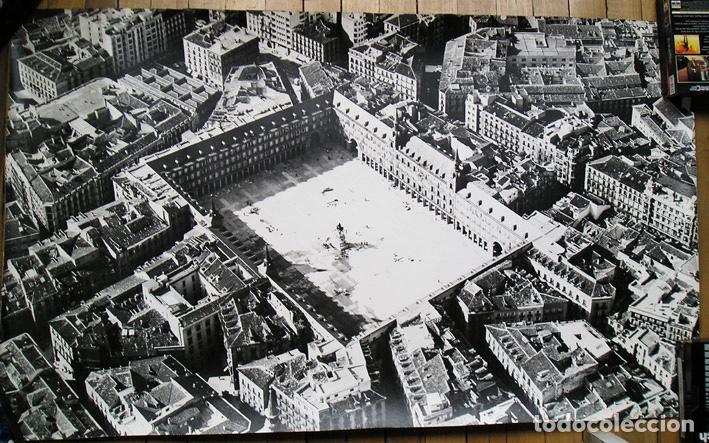 GRAN FOTOGRAFÍA PLAZA MAYOR DE MADRID, AÑOS 1960 - 120 X 64 CM - RAFAEL DE LA TORRE - COPIA VINTAGE (Fotografía - Artística)