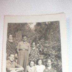 Fotografía antigua: FOTO AÑOS 30-40, GRUPO POSANDO. Lote 136143194