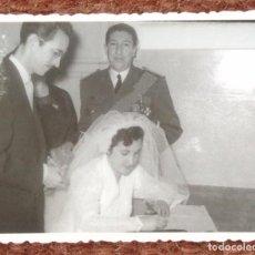 Photographie ancienne: COMANDANTE DE AVIACION EN BODA. Lote 137290846