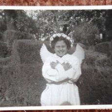 Fotografia antiga: NIÑA VESTIDA DE ANGEL. Lote 138533614