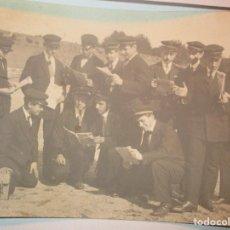 Fotografía antigua: FOTO POSTAL ESCRITA CAMPO FUTBOL DEL MATARO CON EQUIPO DE MUSICA ? ENVIADA A NOVELDA 1917. Lote 138662302