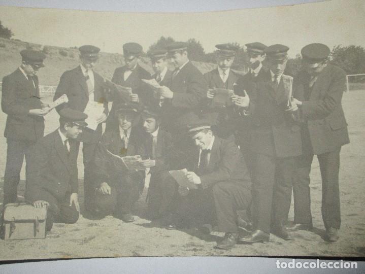 Fotografía antigua: FOTO POSTAL ESCRITA CAMPO FUTBOL DEL MATARO CON EQUIPO DE MUSICA ? ENVIADA A NOVELDA 1917 - Foto 3 - 138662302