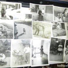 Fotografía antigua: ALICANTE LOTE 17 FOTOS TRANSPORTE GOMEZ FAMILIA CON MUÑECA PLAYA JUGUETES. Lote 144432758