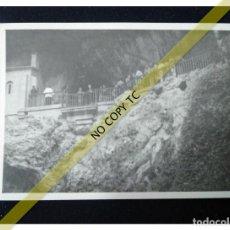 Fotografía antigua: FOTOGRAFÍA ASTURIAS COVADONGA ERMITA DE CANGAS DE ONÍS AÑOS 50 60 . Lote 146145946