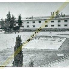 Fotografía antigua: FOTO MILITAR ESCUELA MILITAR PARACAIDISMO AVIACIÓN MURCIA SAN JAVIER ?? INSTALACIONES. Lote 146461494
