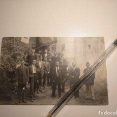 Fotografía antigua: FOTO ANTIGUA INDIANOS ESPAÑOLES CELEBRANDO EL DÍA DE LA VIRGEN DE COVADONGA EN MÉXICO. SOBRE 1920. Lote 146529698