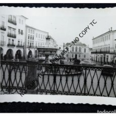Fotografía antigua: LISBOA - PORTUGAL - 1962 - EVORA PLAZA CENTRAL. Lote 147527298