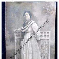 Fotografía antigua: VALENCIA - AÑOS 20 - PRECIOSA FOTO DERREY 1915 - VESTIDA DE LABRADORA. Lote 148754754