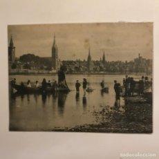 Fotografía antigua: AT THE FRIAR'S SHDTT. ESCOCIA 20,3X15,2 CM. Lote 149301510