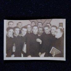 Photographie ancienne: CURIOSA FOTO SEMINARISTAS SEMINARIO DE PAMPLONA 1943. Lote 150825770