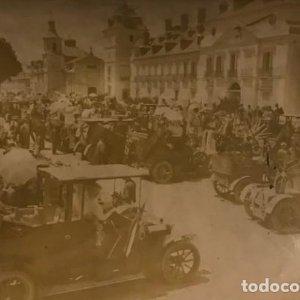 Fiesta automovilista en honor de la princesa Victoria. Plaza del Palacio real del Pardo 17x11,5 cm
